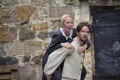 Årringer i Stein. Foto: Mette Haugland. Aktører: Desiree Isabel Bøgh Vaksdal / Elg Elgesem