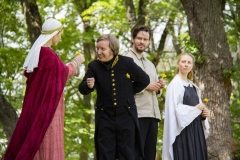 Årringer i Stein. Foto: Mette Haugland. Aktører: Elin Gunnarsdotter Sandvik / Robin Øverby / Elg Elgesem / Desiree Isabel Bøgh Vaksdal